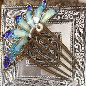 Accessories - I am selling a bun pin.❤️❤️❤️